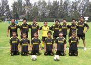 Escuela de futbol para niÑas y niÑos