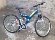 Bicicleta de montaÑa en color azÚl