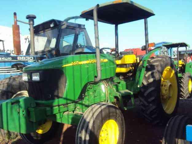 tractor John Deere 5425, 4x4 mod. 2008