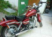 Honda rebel 250 2004, color rojo en excelente estado