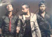 Vendo foto del grupo camila autografiada