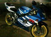 Moto deportiva suzuki gsxr 600 2004