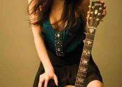 Busco  cantante  femenina  sin  tanto  choroooooooooooo!!