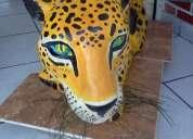 Mesa forma de jaguar en yeso artesanal