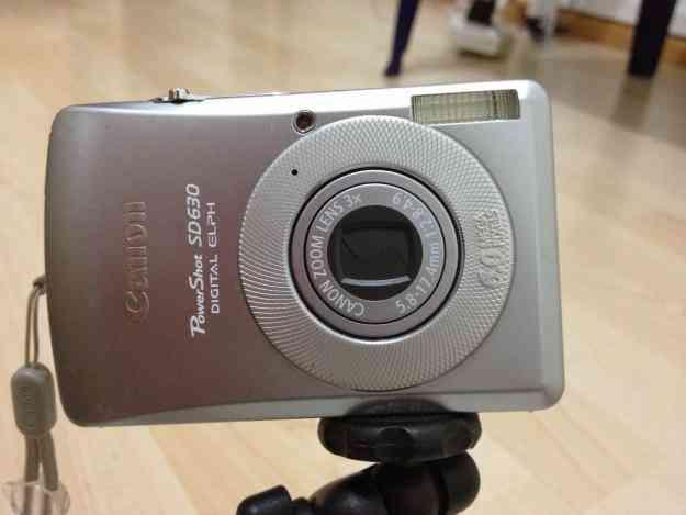 Vendo Cámara Digital Canon 6.0 mg Pxls Accesorios