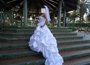 Vendo vestido de novia prexioso  en exelente condicion en pagos