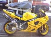 Vendo suzuki gsxr 1000 2004 la vendo por falta de tiempo para usarla