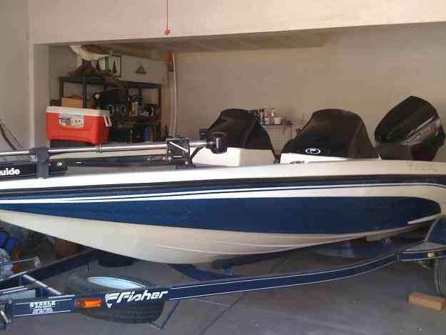 lancha bassboat 17.5 pies marca FISHER 120HP