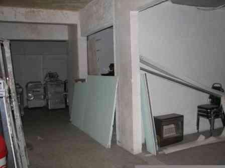 R053 Rento esquina comercial con 7 locales para rentarlos en Ancira