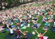 Clase de yoga feliz: por un kilo de ayuda en alimentos.