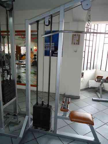 Polea alta equipo seminuev para gym tel 62793425 for Equipo para gym
