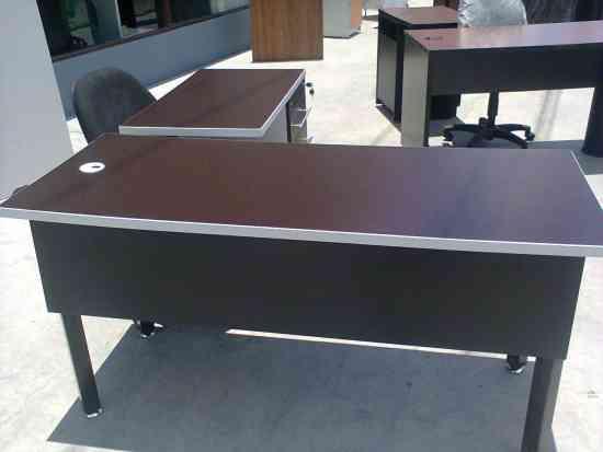 Fotos de gran remate de muebles para la tu oficina en for Muebles baratos remate