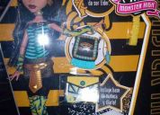 Monster high schools out cleo, frankie, ghoulia