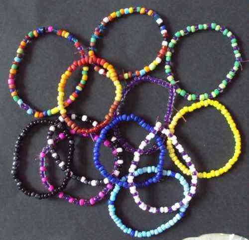 Diseños de pulseras con chaquiras - Imagui