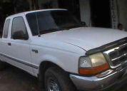 Vendo camioneta ford ranger 4 puertas aire/c, cristales , espejos y seguros electricos