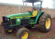 Tractor john deere 5510 4x2  con 12000 horas precio 179,000