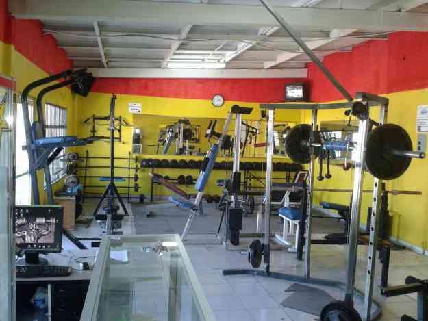 Vendo traspaso o cambio por auto equipo de gimnasio for Articulos para gimnasio