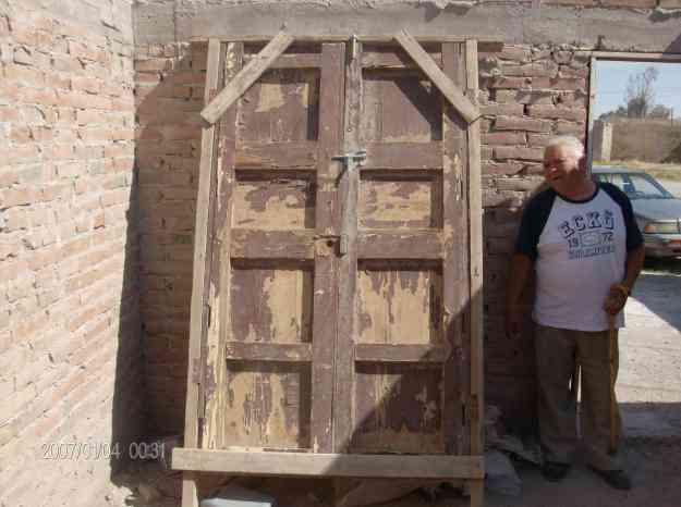 Puertas antiguas torre n colecciones antiguedades for Fotos de puertas de madera antiguas