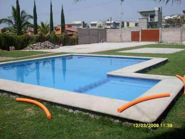 Jardin para fiestas y eventos con alberca cuernavaca for Jardin con alberca