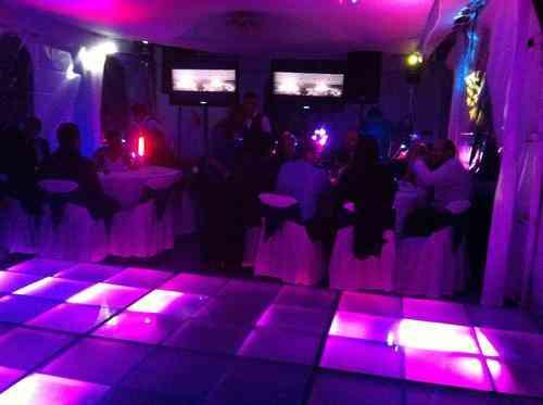DJ para bodas - Renta de karaoke - Alquiler de luz y sonido - DJ