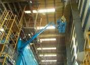 Limpieza de racks, mobiliario de naves industriales