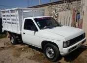 Rento camioneta nissan de 1 tonelada para entregas matutinas