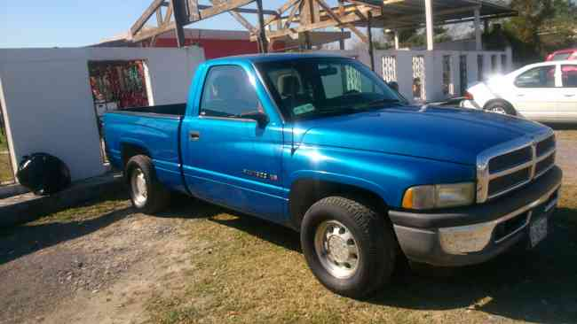 Ram azul equipada con gas,en apodaca monterry $ 47,000