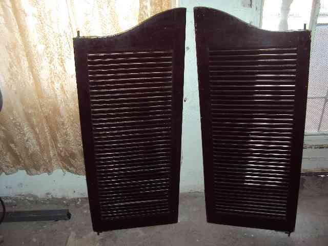 Puertas de cocina de madera tipo cantina chihuahua for Tipos de puertas de madera